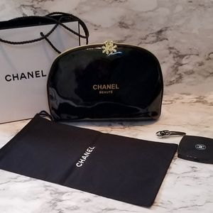 New CHANEL XL Cosmetic Makeup Bag w/ Bonus